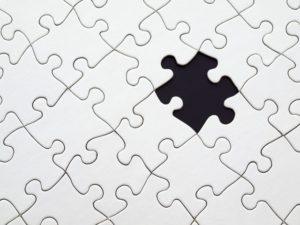 układanka z brakującym puzzlem
