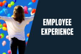 Napis Employee Experience, zdjęcie kobiety rozkładającej ramiona, stojącej w deszczu kolorowych balonów