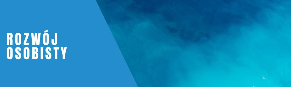 banner z napisem rozwój osobisty utrzymany w niebieskiej kolorystyce